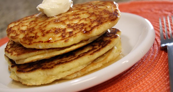 ultra-lowcarb-pancakes-feature-600x320